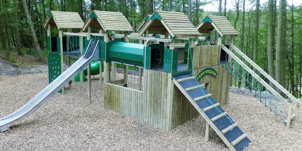 Facilities include a childrens play area